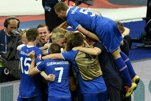 La joie des joueurs islandais après le but d'Arnór Ingvi Traustason contre l'Autriche, lors de l'Euro le 22 juin 2016 au Stade de France © MARTIN BUREAU AFP