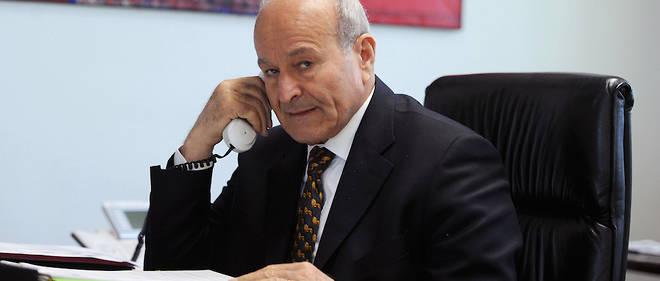 """Issad Rebrab, CEO de Cevital dont la filiale Ness Prod a racheté plus de 95% des actions du groupe de presse El Khabar. """"Illégal"""", juge le gouvernement."""