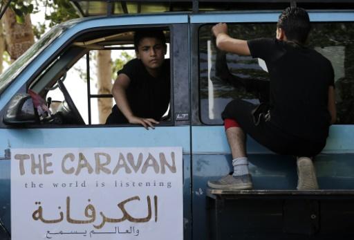 Des jeunes Syriens se préparent à répéter une   pièce de théâtre qui exprime le mal-être des réfugiés au Liban, le 22 juin 2016 à Bar Elias © JOSEPH EID AFP