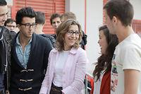 Fatiha Gas avec des élèves de l'école d'ingénieurs Esiea Paris qu'elle dirige.