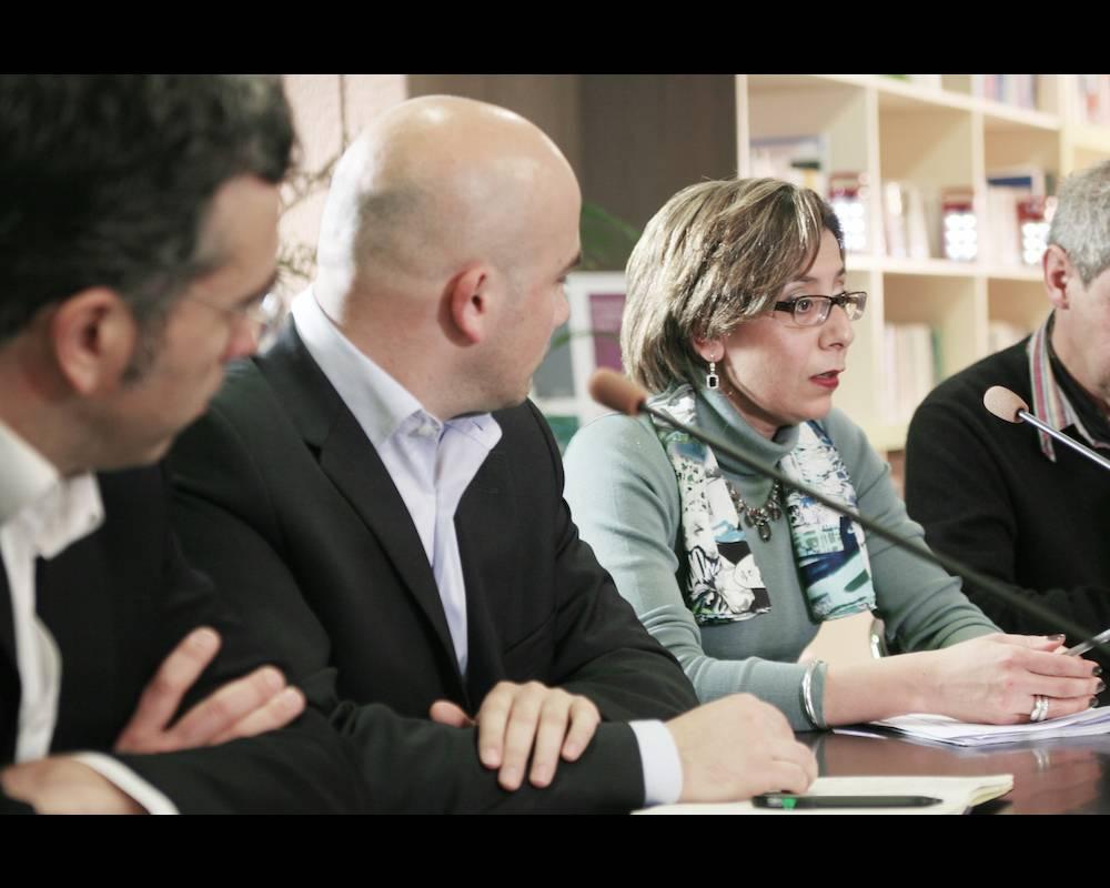 Fatiha Gas lors d'une conférence data à Paris.  ©  FG