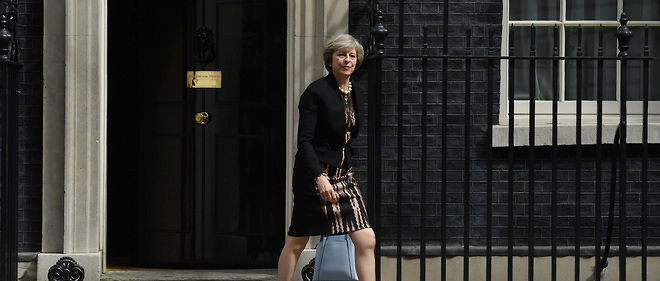 Theresa May devant le 10 Downing Street le 5 juillet 2016.