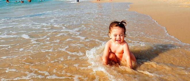 Les Bebes Peuvent Ils Se Baigner Dans Une Piscine Ou Dans La Mer