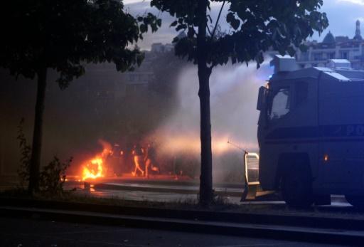 Incidents près de la fan zone du Champ-de-Mars le 10 juillet 2016 à Paris © ALAIN JOCARD AFP