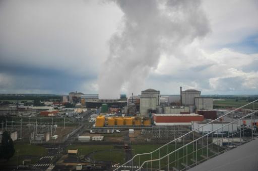 """La centrale nucléaire de Chinon. L'OCDE recommande également """"des orientations claires sur la durée d'exploitation des réacteurs"""" © GUILLAUME SOUVANT AFP/Archives"""