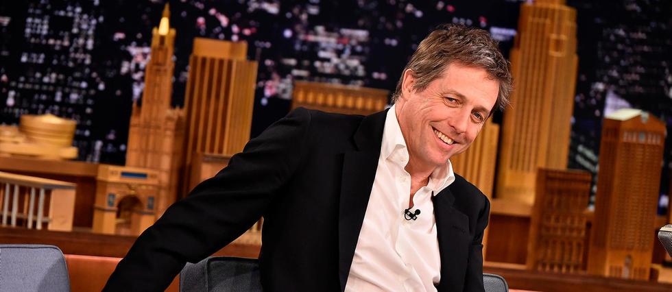 Hugh Grant sur le plateau du talk-show de Jimmy Fallon, le 11 février 2015 à New York.