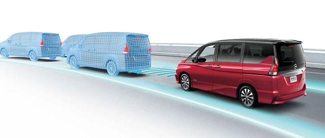 Le système ProPILOT permet au monospace Nissan Serena de se débrouiller seul sur autoroute... japonaise !