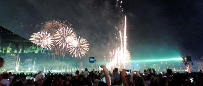 Un feu d'artifice à Marseille, à l'occasion du 14 juillet 2014.