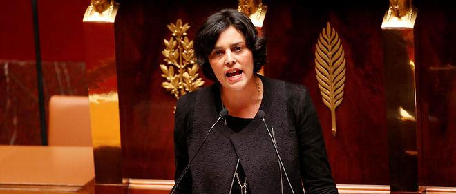La première version de ce texte, porté par la ministre du Travail Myriam El Khomri, avait été aussitôt remaniée.