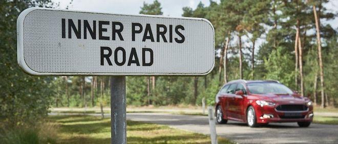 Tous les chemins ne mènent pas à Paris, Londres, Berlin ou Détroit. Des voitures identiques doivent diverger pour répondre aux caprices de réglementations locales.