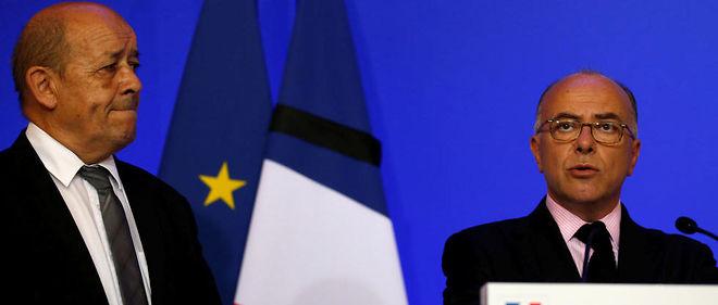 """Bernard Cazeneuve a dénoncéun manque de """"respect"""" du """"deuil"""" des victimes."""