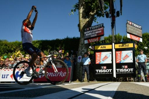Le Colombien Jarlinson Pantano célèbre sa victoire sur la 15e étape du Tour de France entre Bourg-en-Bresse et Culoz, le 17 juillet 2016 © Alix Guigon                          AFP/Archives