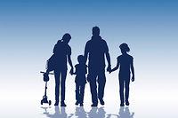 Pour le penseur américain Christopher Lasch, la mise au pas de la famille par l'État a abouti à une séparation entre l'affection et l'autorité. Or, celle-ci ne peut être transmise avec succès que par la famille. Décryptage avec Laetitia Strauch-Bonart. ©Jacques Loic