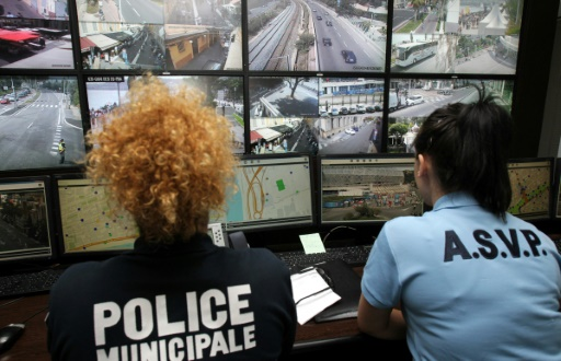 Le centre de supervision urbain (CSU) le 12 juillet 2016 à Nice  © JEAN CHRISTOPHE MAGNENET AFP/Archives