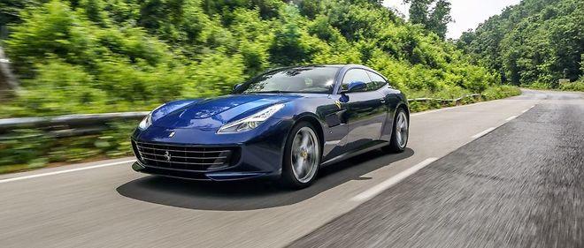 """La carrosserie """"break de chasse"""" de la GTC4 Lusso cache le meilleur de la technologie Ferrari : V12, 4 roues motrices et directrices."""