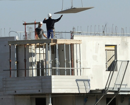 la reprise de la construction de logements semble bien ancrée en France, grâce à des taux de crédit immobilier historiquement faibles  © ERIC CABANIS ARCHIVES/AFP/Archives
