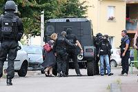 Opération de police et du Raid au domicile de l'un des auteurs de l'attaque contre l'église. ©ARNAUD JOURNOIS