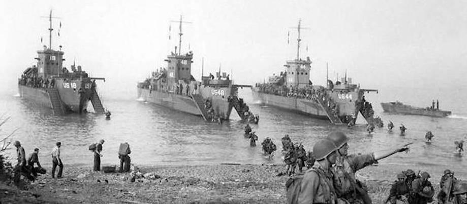 Opération Anvil Dragoon. Le 15 août, 1944, la première division  d'infanterie marocaine pose le pied sur la plage de Cavalaire. Qui s'en  souvient ?