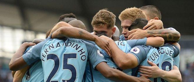 Les joueurs de Manchester City ont dû attendre les dernières minutes pour faire la différence face à Sunderland et s'imposer (2-1).