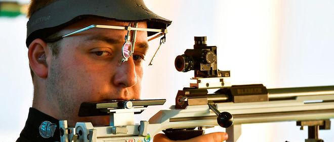Le Français Alexis Raynaud, âgé de 21 ans seulement, s'est adjugé la médaille de bronze de l'épreuve olympique de tir à la carabine 50 m 3 positions, dimanche à Rio.