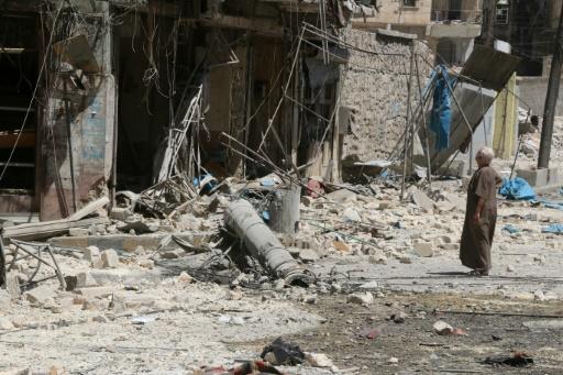 Destruction à Alep, en Syrie, après un raid aérien contre des quartiers contrôlés par les rebelles, le 16 août 2016 © THAER MOHAMMED AFP