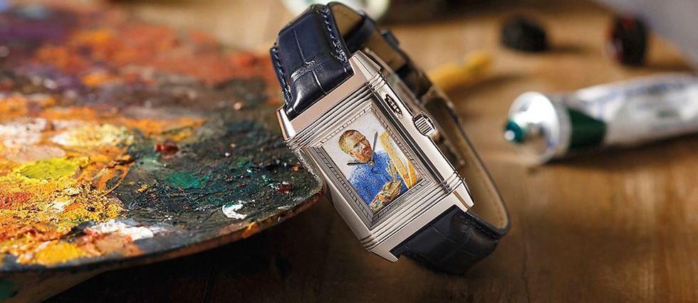 Tour de force artisanal : reproduire à la main, en émail, la célèbre toile de Van Gogh pour l'insérer dans une montre à secret.