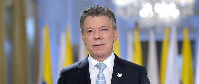 """Le président colombien Juan Manuel Santos s'est félicité avec """"une profonde émotion, une grande joie"""" de la conclusion de l'accord."""