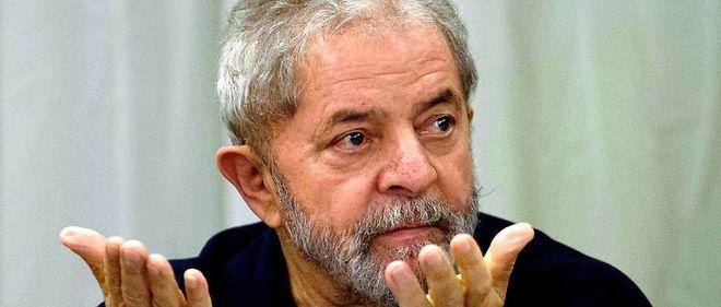 Lula a été inculpé pour corruption et blanchiment d'argent.