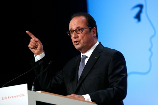 """François Hollande lors de son discours consacré à """"la démocratie face au terrorisme"""" le 8 septembre 2016 salle Wagram à Paris © Christophe Ena POOL/AFP"""