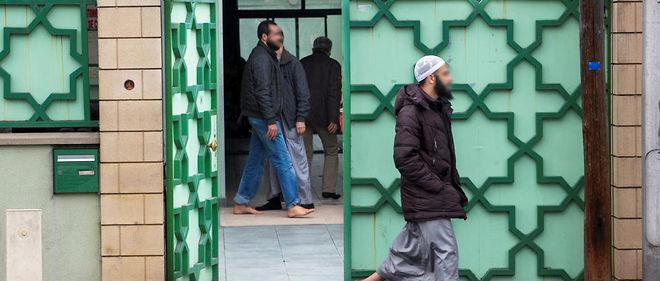 Repères. Devant la mosquée Al-Tawhid, au Blanc-Mesnil, en novembre  2015. L'un des terroristes du Bataclan venait y prier de temps en temps.