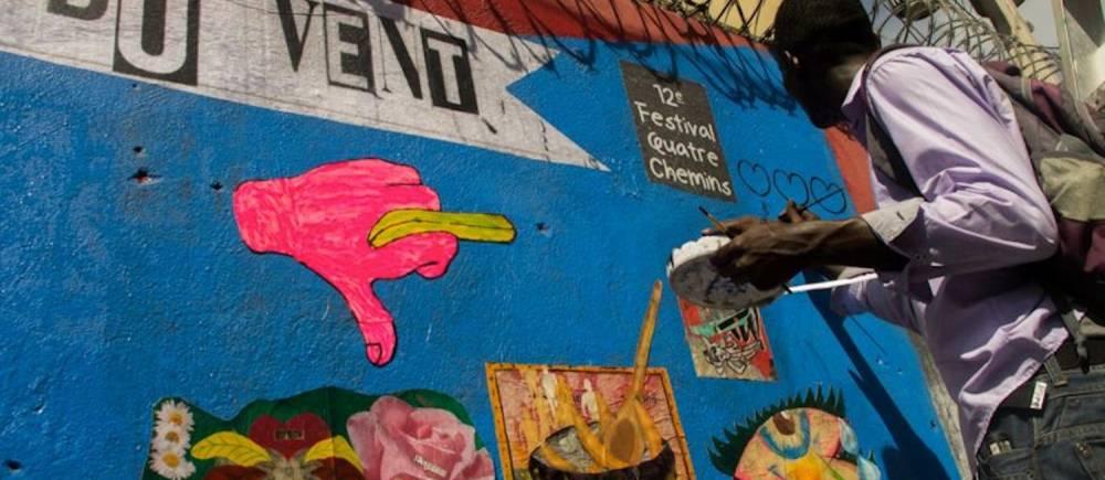 Un collage urbain sur l'avenue Christophe par le Kolektif 2D à Haïti. ©  FB
