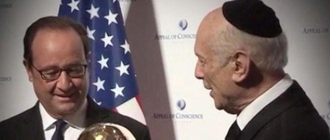 François Hollande rencontre Le Roi Arthur de Kaamelott