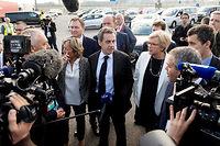 Nicolas Sarkozy à Calais avec la maire de la ville Natacha Bouchart.  ©Reuters