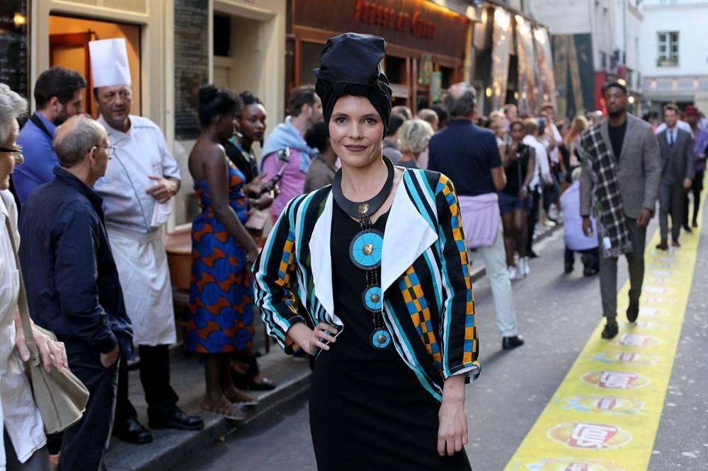 L'Afrique c'est Chic était à l'honneur, aux cotés des boutiques du Village Saint-Germain, pour un défilé de mode hors-norme avec : 50 modèles.  ©  FB