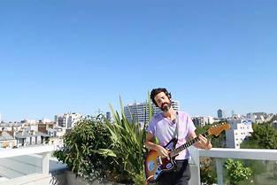 Devendra Banhart dans la session sur le toit du Point Pop. ©Anne-Sophie Jahn