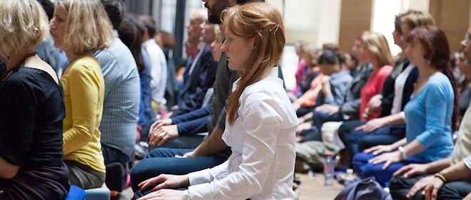 Lors des « journées pour apprendre à méditer » organisées par Fabrice Midal. D'après le philosophe, de « nombreuses recherches scientifiques ont démontré les bienfaits de la méditation sur la santé, le ralentissement du vieillissement ou encore le bien-être ».