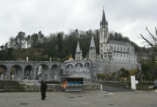 La basilique Notre-Dame-du-Rosaire dans le sanctuaire catholique de Lourdes, le 17 mars 2016. © ERIC CABANIS AFP/Archives