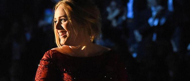 25 est sur les traces du précédent album d'Adele. À ce jour, 21 a été écoulé à 30 millions d'exemplaires.