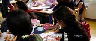 Soutien scolaire dans un collège à Orly. Selon un récent rapport, la politique d'éducation prioritaire a aggravé les inégalités au lieu de les réduire. ©JOEL SAGET