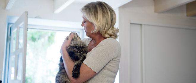 """Marine Le Pen se définit elle-même comme une """"mère à chats""""."""