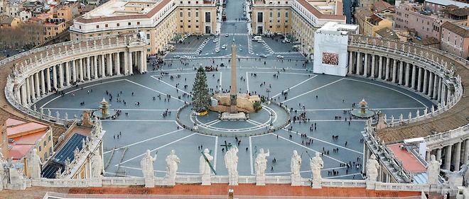 Vue de la place Saint-Pierre à Rome. Image d'illustration.