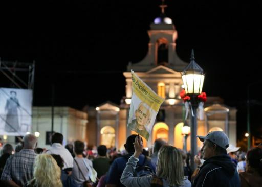 """Veillée de prière le 15 octobre 2016 à Cordoba, en Argentine, à la veille de la canonisation du """"curé gaucho"""", José Gabriel Brochero © NICOLAS AGUILERA AFP"""