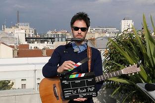 """Piers Faccini dans """"La Session sur le toit"""". ©Anne-Sophie Jahn"""