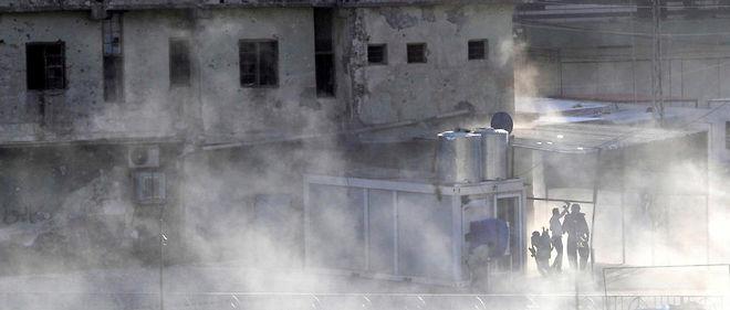 Des forces kurdes prennent position à Kirkouk après une attaque djihadiste le 21 octobre.