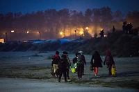 Des migrants quittant la