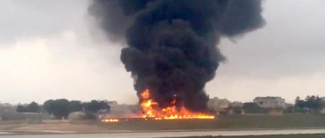 Un avion effectuant des missions de reconnaissance en Méditerranée pour le ministère français de la Défense s'est écrasé lundi matin àMalte, tuant les cinq Français se trouvant à son bord.