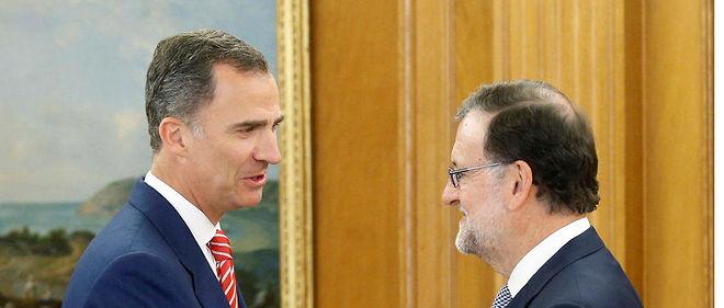 Mariano Rajoy face au roi Felipe VI.