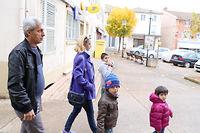 Hasan, Delal et leurs quatre enfants, originaires d'Alep (Syrie) sont arrivés à Tramayes, en Saône-et-Loire, le 2 septembre dernier. ©Pauline Tissot