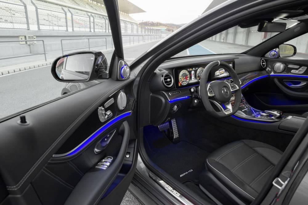 MERCEDES-AMG E 63 S © Daimler AG - Global Communications Mercedes-Benz Cars DAIMLER