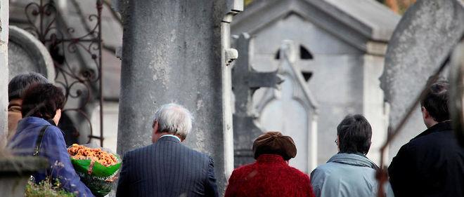 Les funérailles low cost séduisent de plus en plus en France.